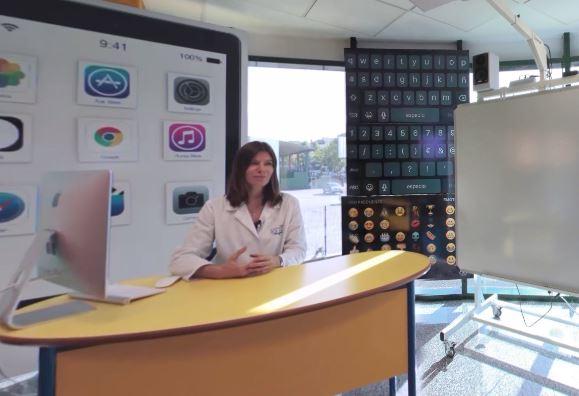 Visita virtual con la profesora explicando programa educativo de Logos nursery school