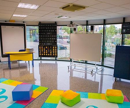 instalaciones-logos-nursery-sala-ipad-3